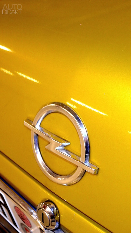 opel-rekord-d-coupe-gold-6.jpg